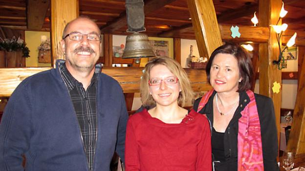 Hans-Peter Marti, Sandra Jeker und DRS 1-Gastgeberin Katharina Kilchenmann.