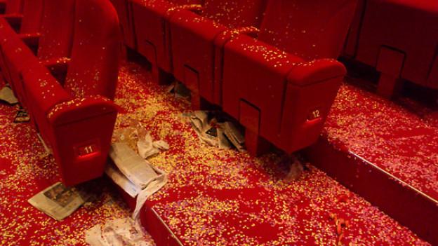 Für die Reinigung des Theaters braucht es mehrere Stunden.