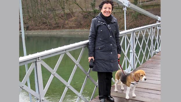 Susana Fankhauser-Pérez de Léon mit Hund Enya.