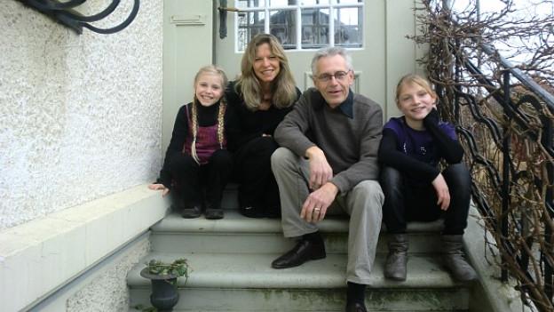 Peter Urech aus Burgdorf mit seiner Zweitfamilie: Ehefrau Annemarie und die Töchter Lisa und Anna