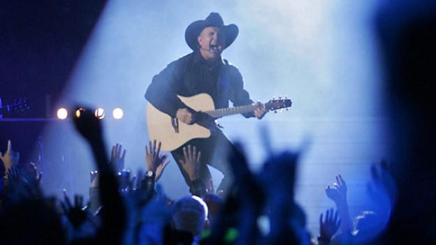 Garth Brooks wird mit der Aufnahme in die «Country Music Hall of Fame» die höchste Country-Ehre zuteil.