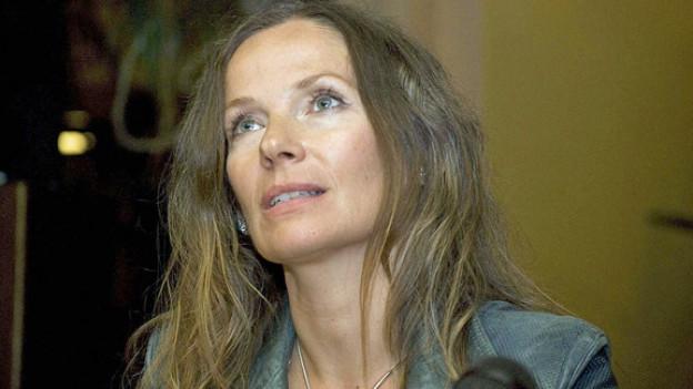 Joanna Bator, eine der stärksten neuen Stimmen der polnischen Literatur, lebt in Japan und Polen.