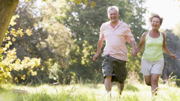 Fühlen Sie sich in kurzen Ärmeln und Hosen wohl? Falls nicht: Mehr Bewegung und ein ausgewogeneres Essen könnten helfen.
