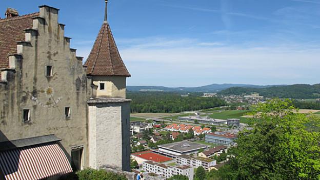 Aussicht vom Schloss Lenzburg .