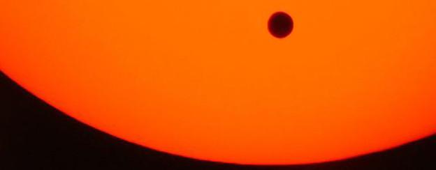 Venustransit am 08.06.2004 um 10:19 - Die Venus ist vollständig auf der Sonnenscheibe.
