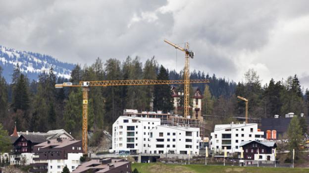 In Flims entstehen neue Eigentumswohnungen und Luxusresidenzen.