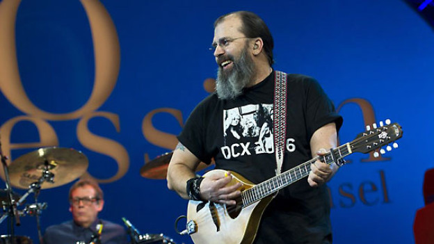 Steve Earle & the Dukes an der AVO Session Basel 2011.