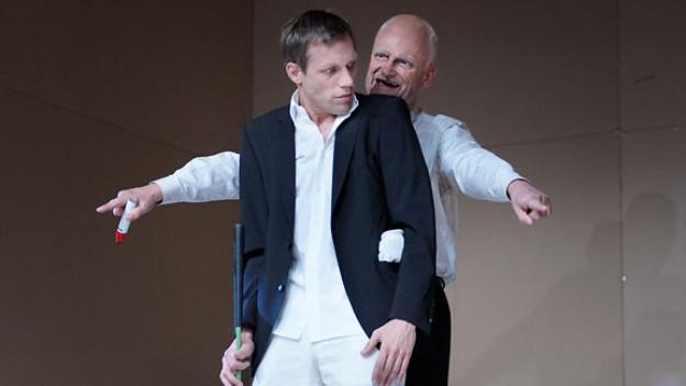 «Menschliches Versagen» entstand 2008 als Theaterstück. 10 Jahre nach dem Flugzeugunglück in Überlingen folgt nun ein Hörspiel.