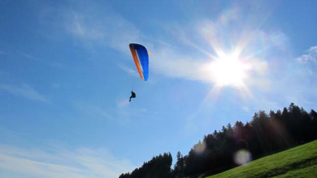 Spass ist garantiert: In einem Schnupperkurs kann das Gleitschirmfliegen ohne spezielle Vorkenntnisse ausprobiert werden.