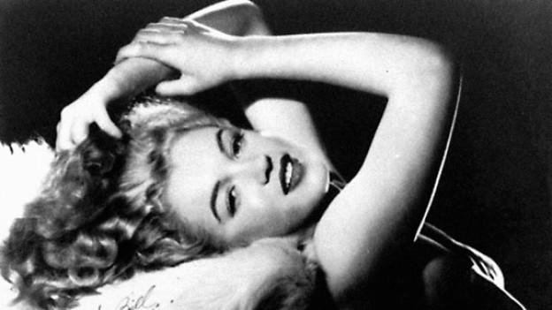Eines der ersten Fotos von Marilyn Monroe.