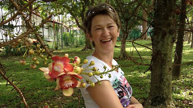 Esther Wenger (53) und lebt seit dem 23. Februar 2012 mit ihrem Mann in Singapur.