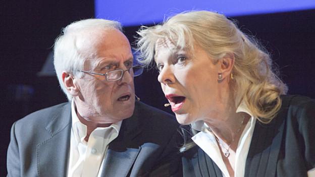 Lieber gut gefragt als halb geantwortet: Walter Andreas Müller und Birgit Steinegger