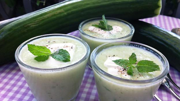 Kalte Gurken-Minzen-Suppe