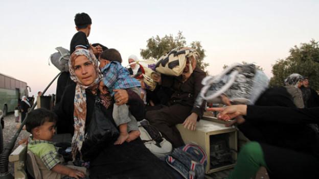 Syrische Flüchtlinge haben die Grenze nach Jordanien überquert.