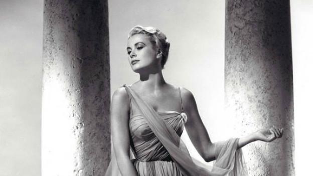 Grace Kelly in einem Kleid aus dem Film «Über den Dächern von Nizza».