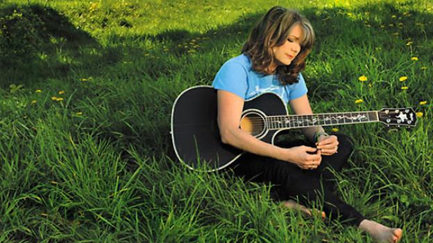 Ausschnitt CD Cover «Calling Me Home» von Kathy Mattea.