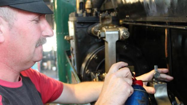 Gehört auch dazu: «Rund die Hälfte der Arbeit eines Lokführers besteht aus Putzen», betont Kurt Amacher.