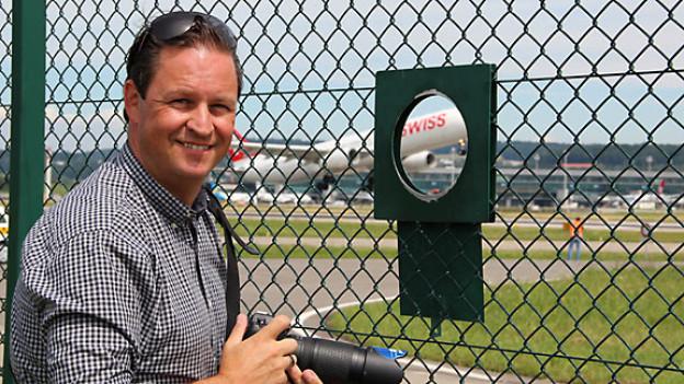Der Aviatik-Fan Patrick Wirth verbringt viele Stunden am Flughafen.