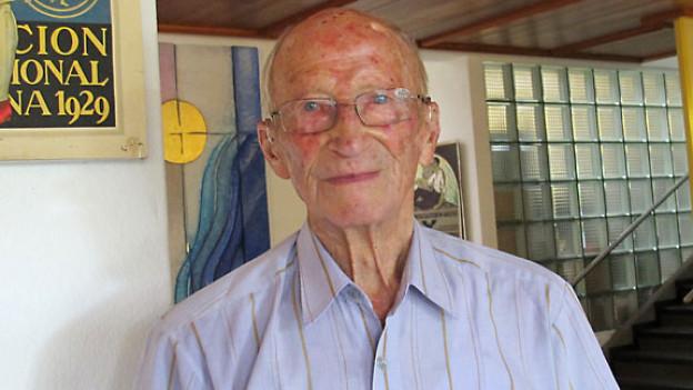 Der Plakatsammler Rudolf Hofer, 95 jährig, im Altersheim «Schlössli» in Pieterlen.