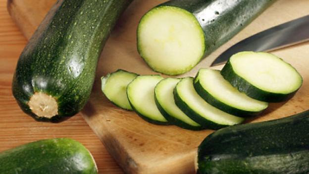 Aus Zucchini lässt sich eine Vielzahl von Gerichten zubereiten.