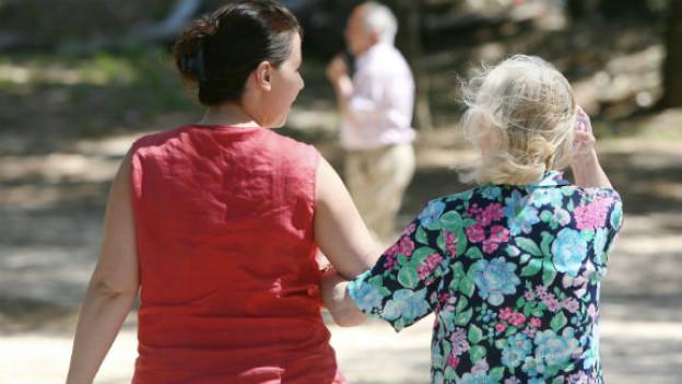 Der Alltag mit Alzheimer-Patienten erfordert viel Geduld von den Angehörigen.