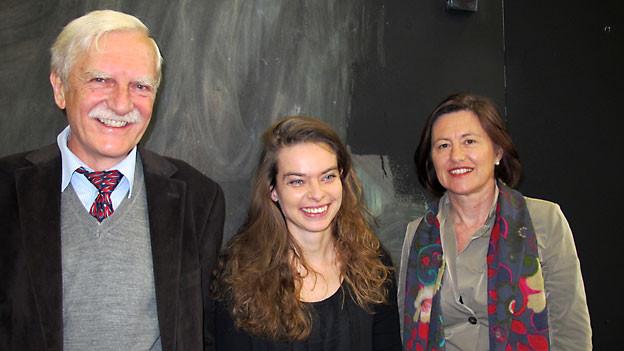 Neurologe Jürg Kesselring, Musikerin Andrea Kind und DRS 1-Gastgeberin Katharina Kilchenmann.