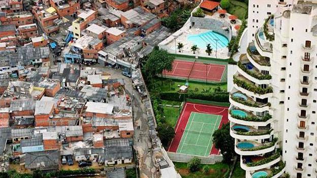 In São Paulo prallen die Welten von arm und reich aufeinander.