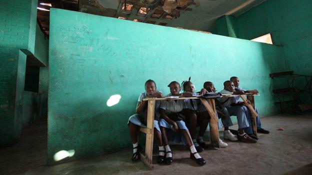 Um die Projekte ohne Hilfswerke weiterzuführen, müssen die Menschen in Haiti geschult werden.