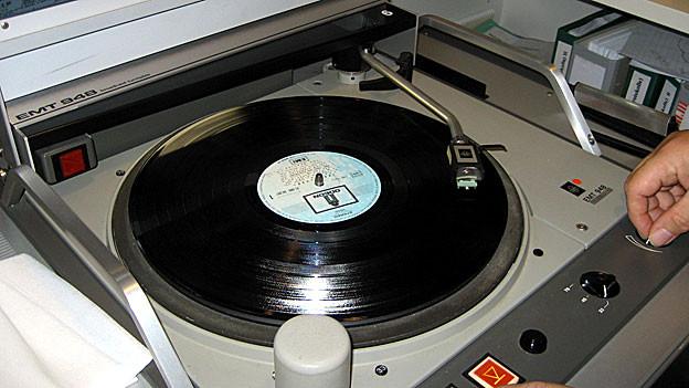 Eine Schallplatte muss gepflegt werden.