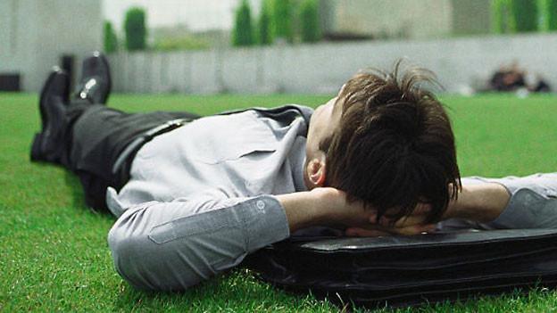 Kurze Pausen über den Tag verteilt erhöhen die Leistungsfähigkeit.