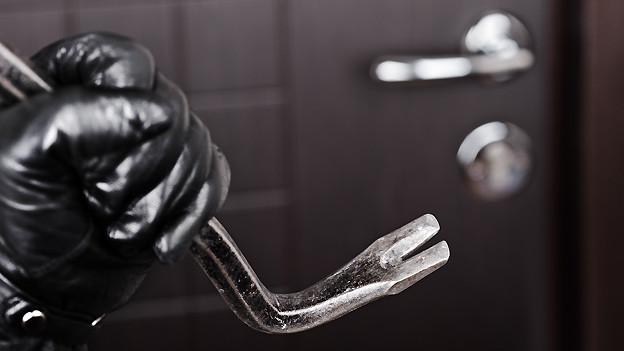 Wohnungen werden häufiger am Tag als bei Nacht von Einbrechern heimgesucht.