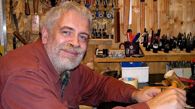 Serge Volken in seinem Atelier