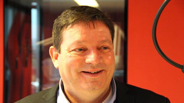 «Bond ist für mich ein grosses Vorbild»: Daniel Haberthür, Präsident vom Schweizer James Bond Fanclub im Studio von DRS 1.