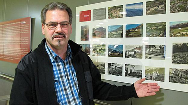Gion Bigliel sammelt seit 1998 Spital-Ansichtskarten.