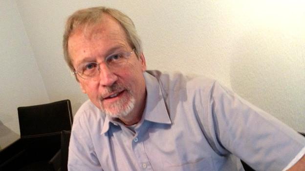 Briefmarken sind Helmut Fürers Leben - der 59-Jährige sammelt Briefmarken von Kindsbeinen auf.