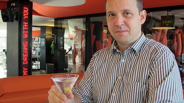 Barkeeper Alex Armbrüster erklärt, wie es geht!