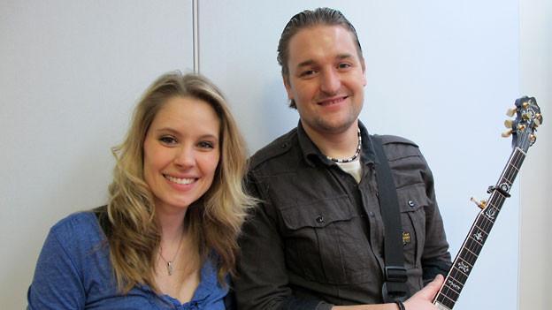 Sängerin Tanja Bachmann und Gitarrist Res von TinkaBelle.