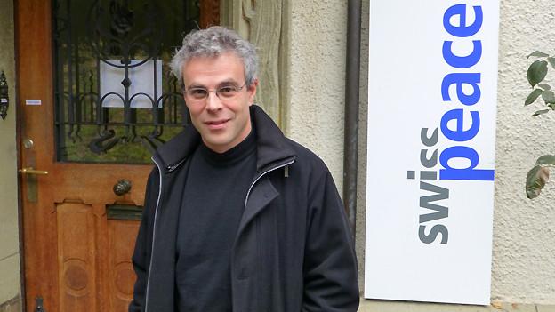Laurent Götschel, Friedensforscher an der Universität Basel und Direktor der Schweizerischen Friedensstiftung.