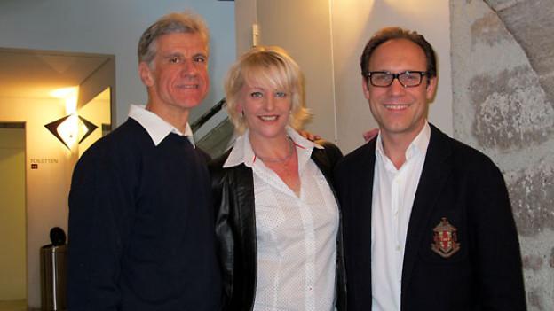 Markus Schneider, Caroline Haerdi und Radio SRF 1-Gastgeber Christian Zeugin.