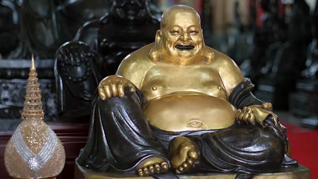 Buddha - trotz Bauch glücklich.