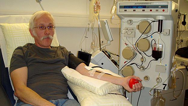 Roger Gautschi spendet sein Blut gerne für andere.