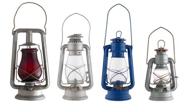 Eine fast vergessene Möglichkeit, sich am immer dunkler werdenden Abend im Garten ein bisschen Licht zu verschaffen: Die gute, alte Öllampe.