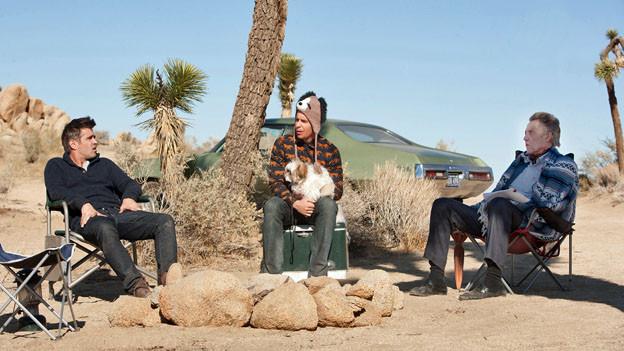 Marty (Colin Farrell), Billy (Sam Rockwell) und Hans (Christopher Walken), drei der mindestens sieben Psychopathen, und ein ganz normaler Schosshund.