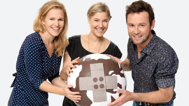 Kathrin, Anic und Nik präsentieren 2011 die Aktion «Jeder Rappen zählt» aus Luzern.