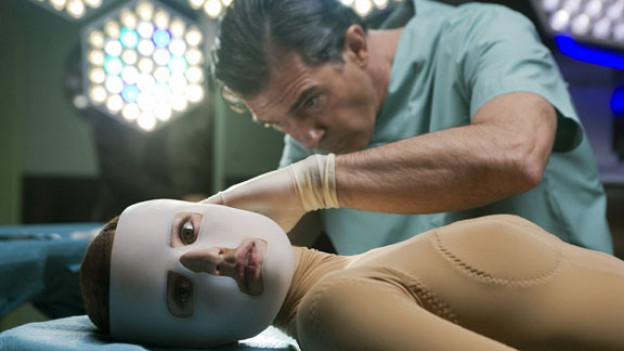 Dr. Robert Ledgrand (Antonio Banderas) und sein Geschöpf (Elena Anaya).