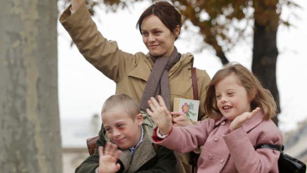 Jacquelines (Vanessa Paradis) Sohn Laurent (Marin Gerrier) hat sich in die gleichaltrige Véronique (Alice Dubois) verliebt.