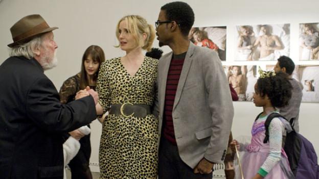Marions (Julie Delpy) Vater (Albert Delpy) benimmt sich daneben, ihr Freund Mingus (Chris Rock) ist schockiert.