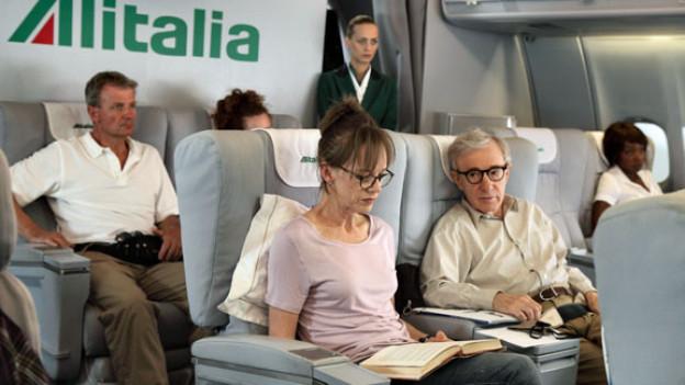 Woody Allen fliegt dorthin, wo ihm ein Film finanziert wird, zum Beispiel als Ehepaar Jerry und Phyllis (Judy Davis) nach Rom.