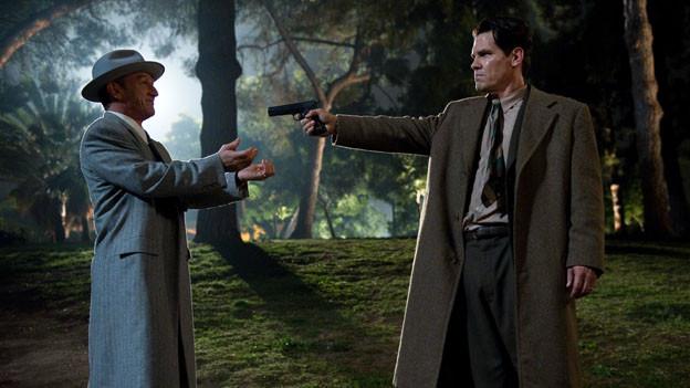 Showdown zwischen Gangster Mickey Cohen (Sean Penn, links) und Cop John O'Mara (Josh Brolin).