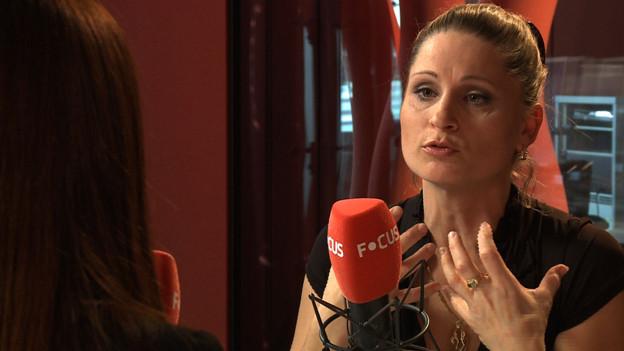 Carmen Zander im Gespräch mit DRS 3-Moderatorin Anna Maier.